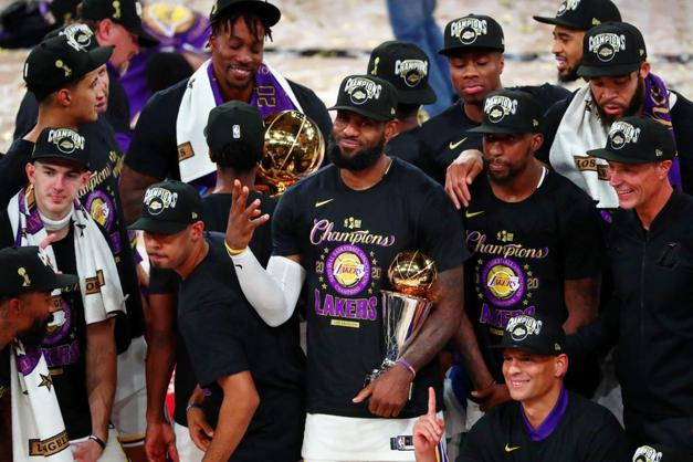 Los Angeles Lakers küllerinden doğdu